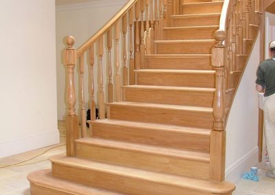Oak curved staircase with 150mm newel posts